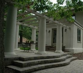 stone-column-patio